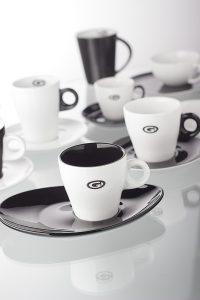 Servies met logo zwart wit